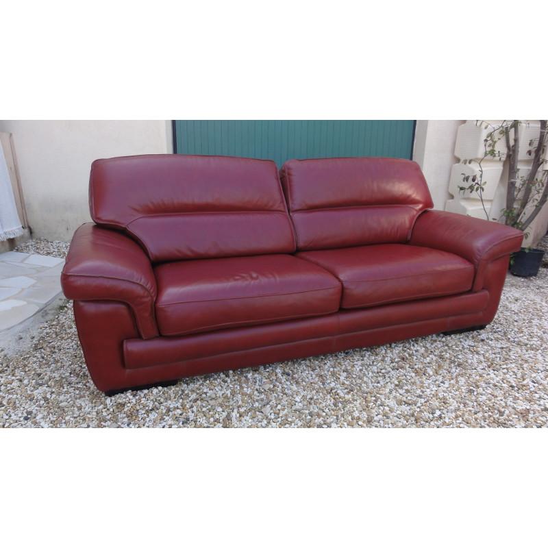 3- seater burgundy leather sofa by Cinna