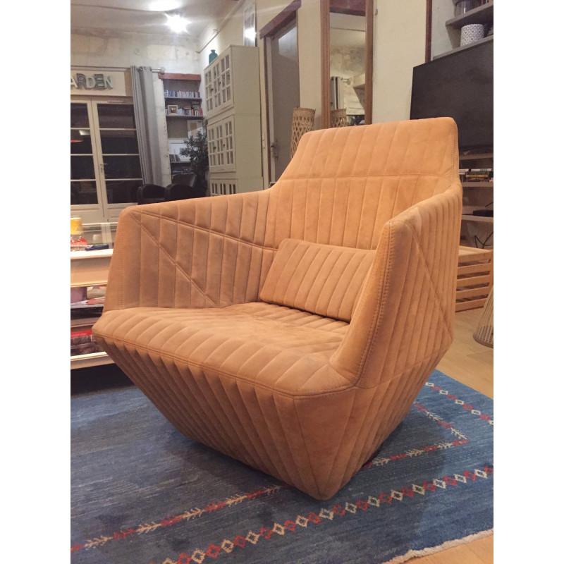 fauteuil facett beige d 39 occasion par bouroullec pour ligne. Black Bedroom Furniture Sets. Home Design Ideas