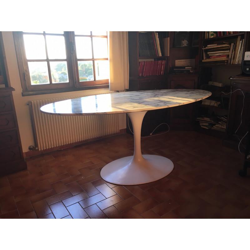 Table tulipe de salle à manger par Knoll
