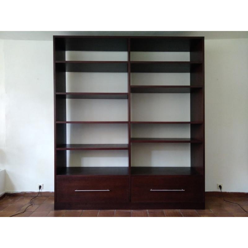 Bibliothèque néo- minimaliste en chêne teinté par Catherine Memmi