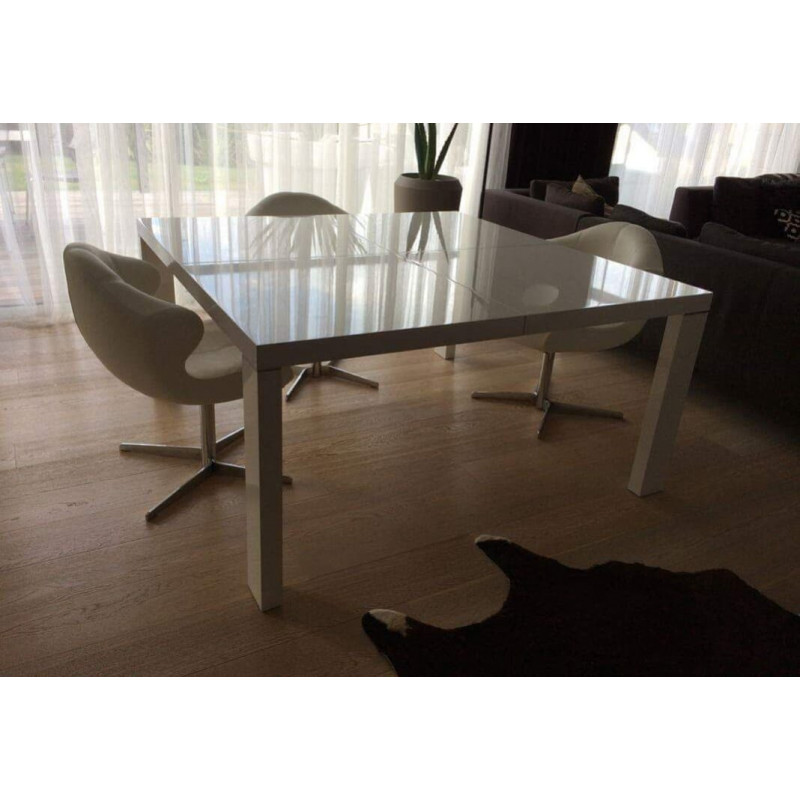 Dedicato table by Ligne Roset