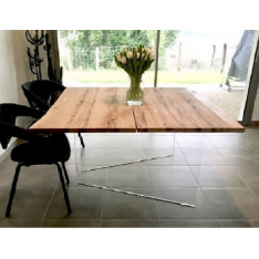 Story solid oak dining table