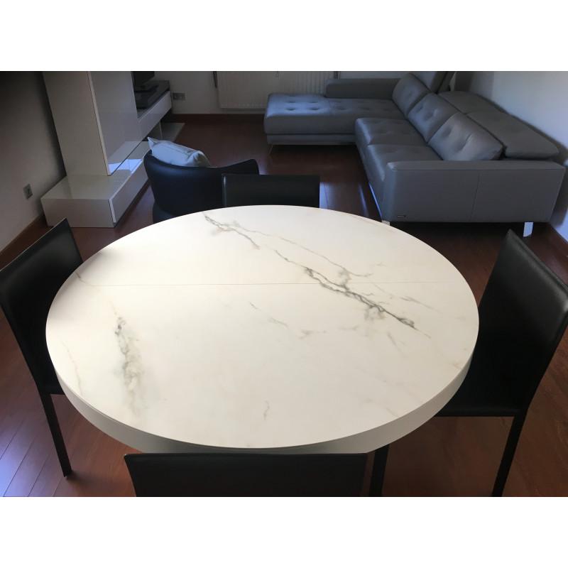 Ava dining table by Cinna