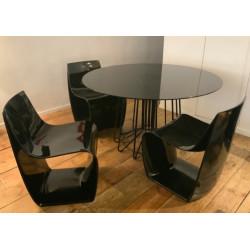 Lot de 4 chaises Sign Matt avec une table ronde de MDF Italia