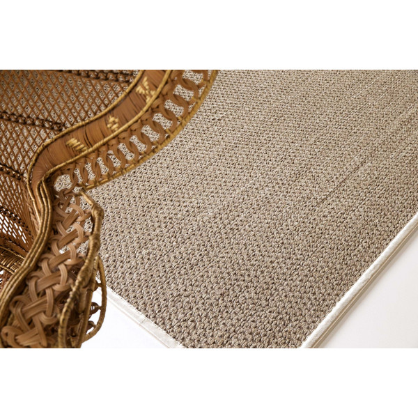 tapis en coloris argent gris limited edition en belle occasion. Black Bedroom Furniture Sets. Home Design Ideas