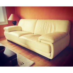 3-seater white leather sofa by Cuir Center