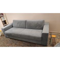 Slash canapé-lit en velours bleu de Ligne Roset