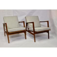 Pair of armchair by Stefan de Swarzdzkie Fabryki Mebli, Poland, 1960s.