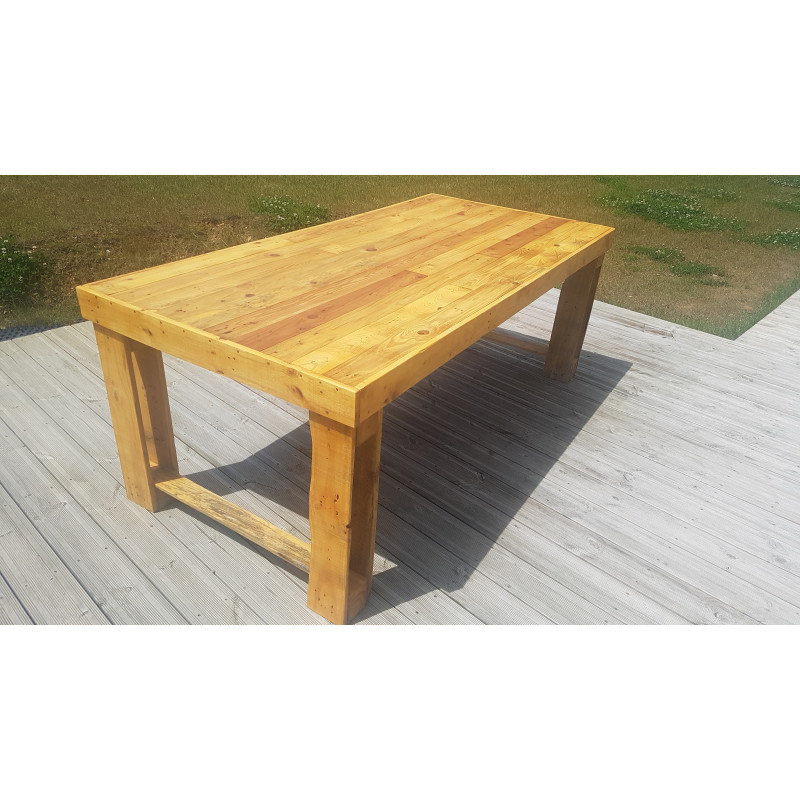 Esprit wooden table