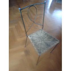 Jolies chaises en metal